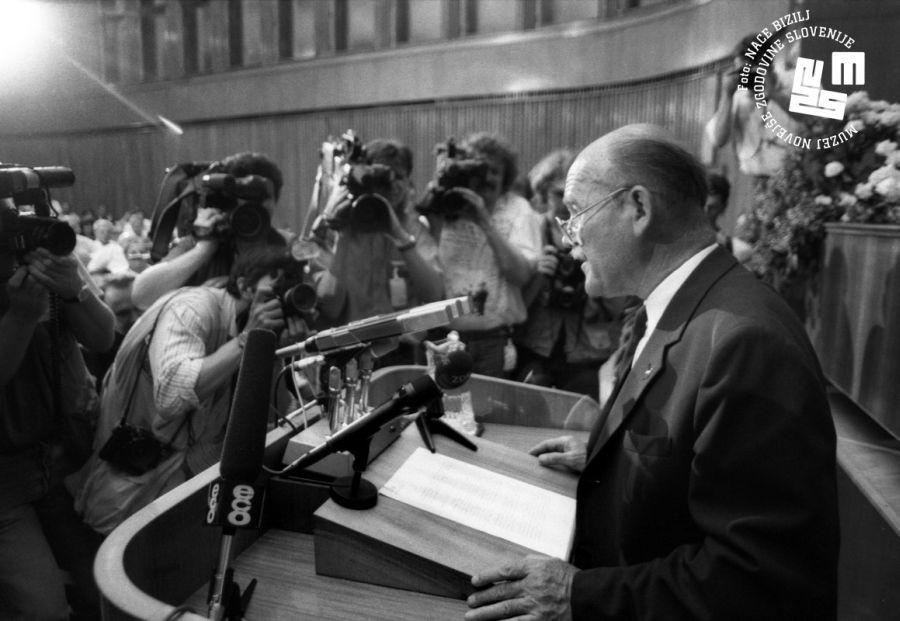 Do brionske deklaracije  je bil izredno kritičen še udeleženec brionskih pogovorov, predsednik skupščine dr. France Bučar