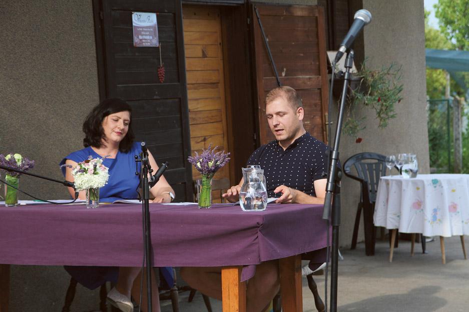 Pesmi Leona Rožmana so ganile zbrane poslušalce.