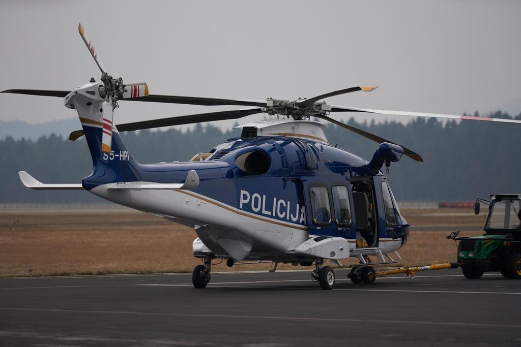 Slovenska policija dobi večnamenski transportni helikopter AW169.