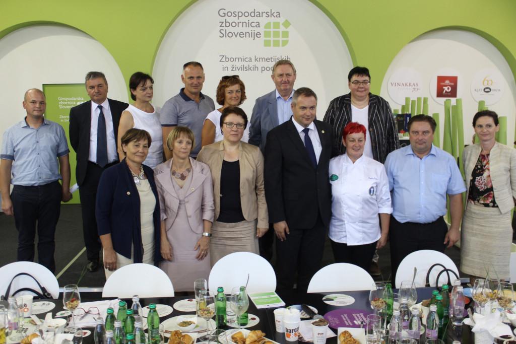 Žitna veriga s kmetijskim ministrom in njegovimi sodelavci leta 2017.