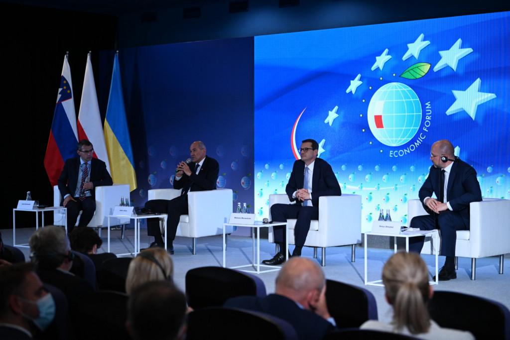 Med dobitniki omenjene nagrade v preteklih letih so tudi Mateusz Morawiecki, Jose Manuel Barroso, Jerzy Buzek, Vaclav Havel, Janez Pavel II in druge vidne osebnosti