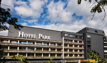 Gorenjska UDBA, se se spominjate Hotela Park na Bledu. (Foto: posnetek zaslona-Booking)
