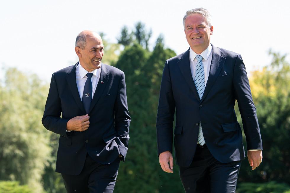 Predsednik vlade Janez Janša na delovnem kosilu z generalnim sekretarjem OECD Mathiasom Cormannom   Avtor KPV