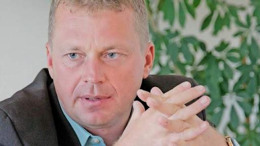 Nekdanji načelnik UE Kranj Matjaž Dovžan. Pod njegovim vodstvom je UE Kranj množično izdajala dovoljenja za stalno in začasno prebivanje prebivalcem Kosova. (Foto: Posnetek zaslona-Gorenjski glas)