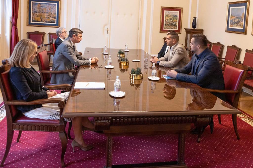Pogovor med predsednikom države Borutom Pahorjem in predsednikom stranke Resni.ca Zoranom Stevanovićem. (Foto:Matjaž Klemenc/UPRS)