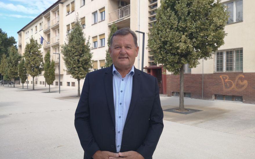 Župan MO Murska Sobota Aleksander Jevšek je starega Audija zamenjal z najnovejšim Audi A6 TDI Quattro, petletni najem bo občino stal 91 tisočakov