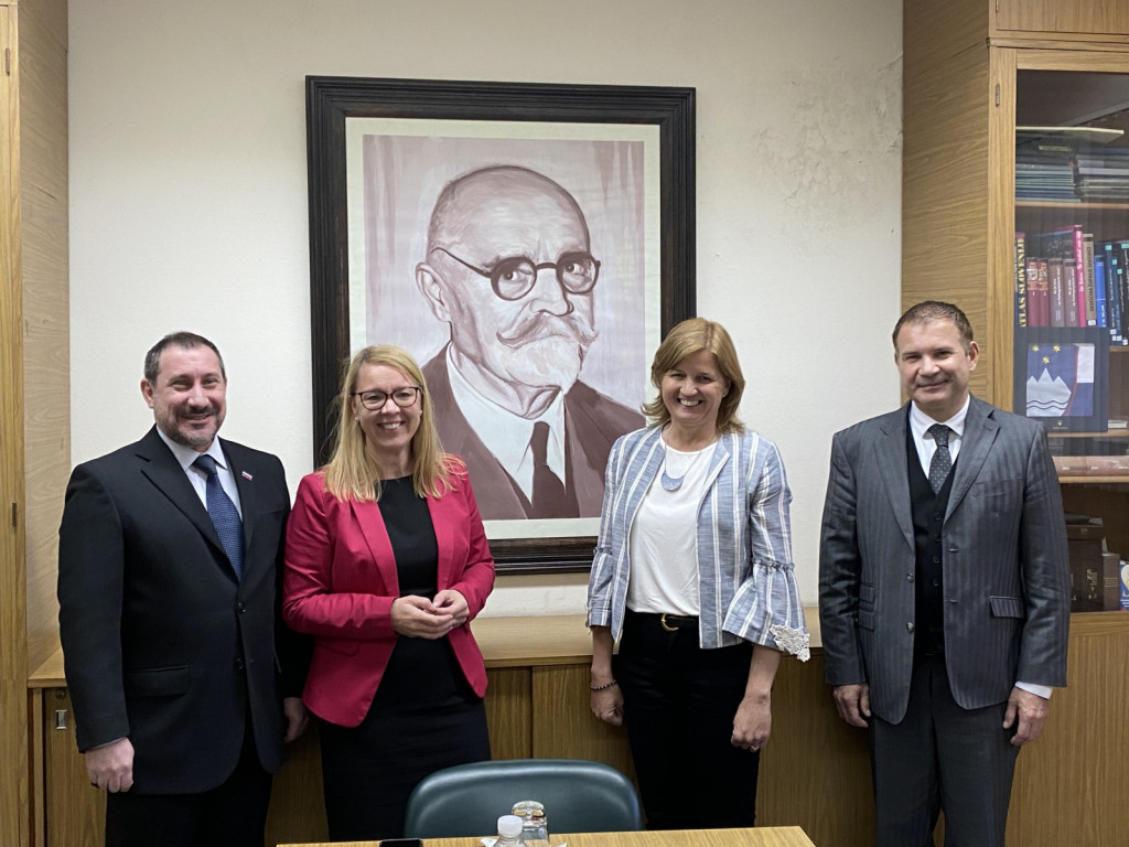 Alan Briant Bergant, dr. Helena Jaklitsch, Tatjana Modic Kržišnik, Štefan Godec, foto USZS