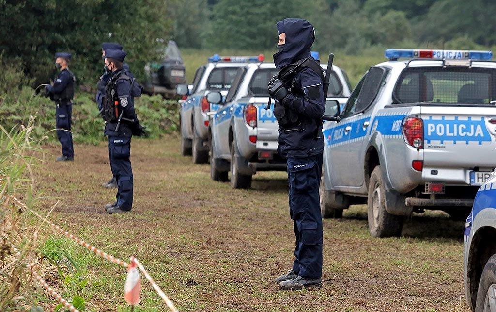 Poljski policisti na zeleni meji z Belorusijo
